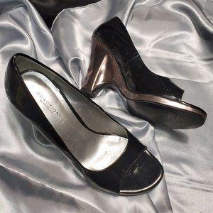 $$$ KENNETH COLE black silver wedge open toe heels